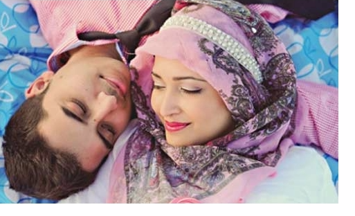 WAJIB BACA , Inilah Hukumnya Seorang Suami Meminum Air Susu Istrinya, Tolong Sebarkan !!