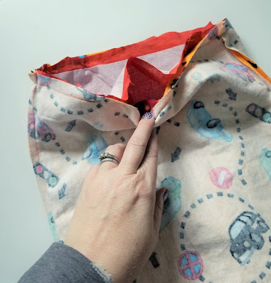 Simple DIY Reversible Book Bag Pattern