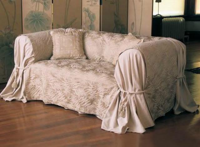 Come rinnovare il vecchio divano spendendo pochissimo for Rivestire divano