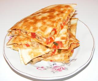 retete mancare mexicana reteta quesadilla cu piept de curcan,