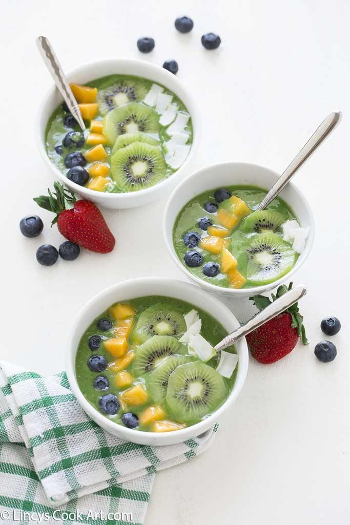 Spinach Avocado smoothie bowl