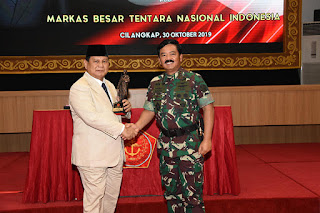 Menteri Pertahanan dan Panglima TNI