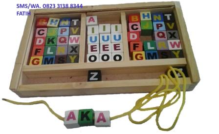 Game Puzzle Block Huruf