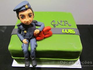 Bolo do aniversário do GNR Luís