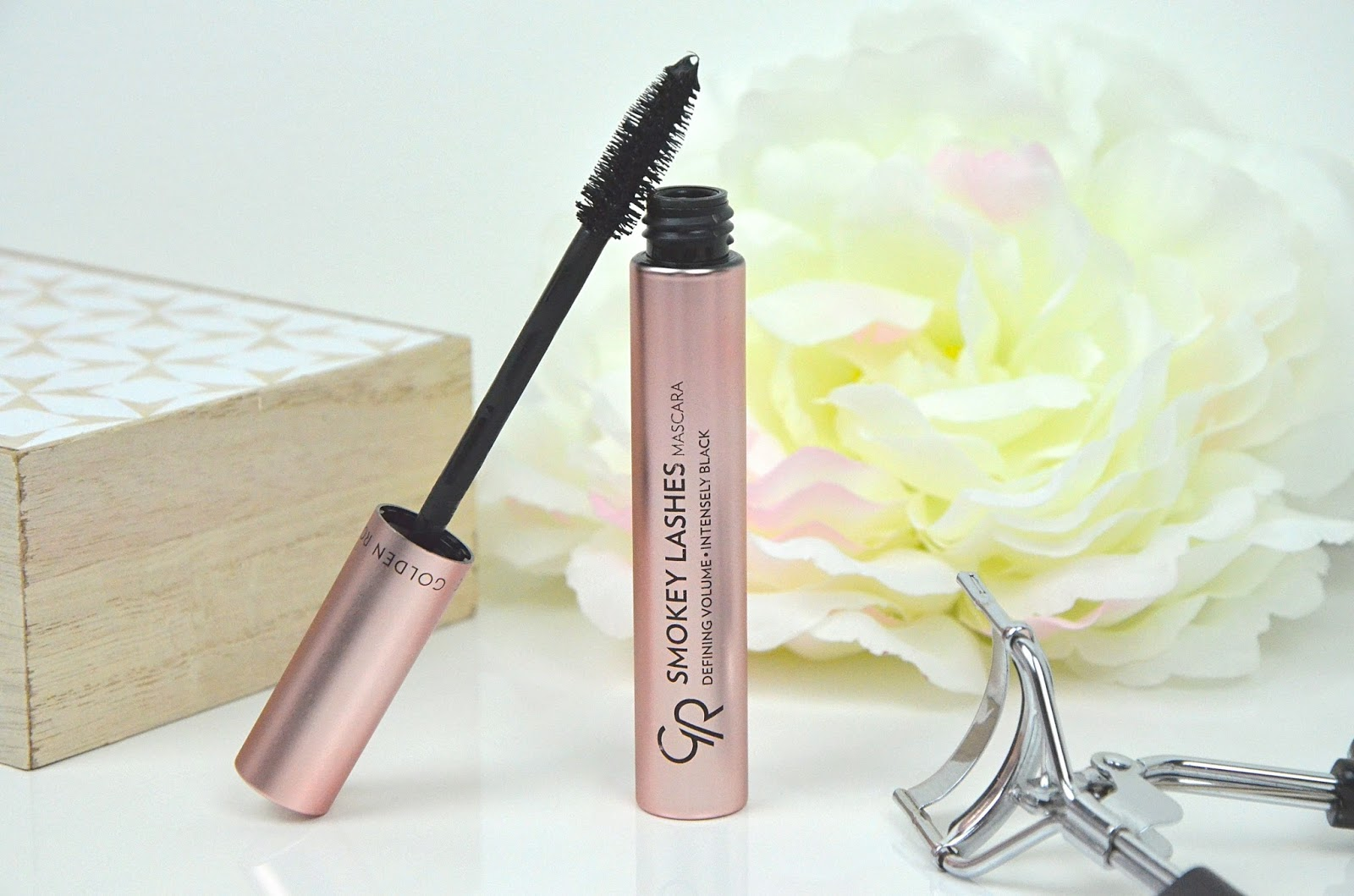 Le mascara smokey lashes de golden rose