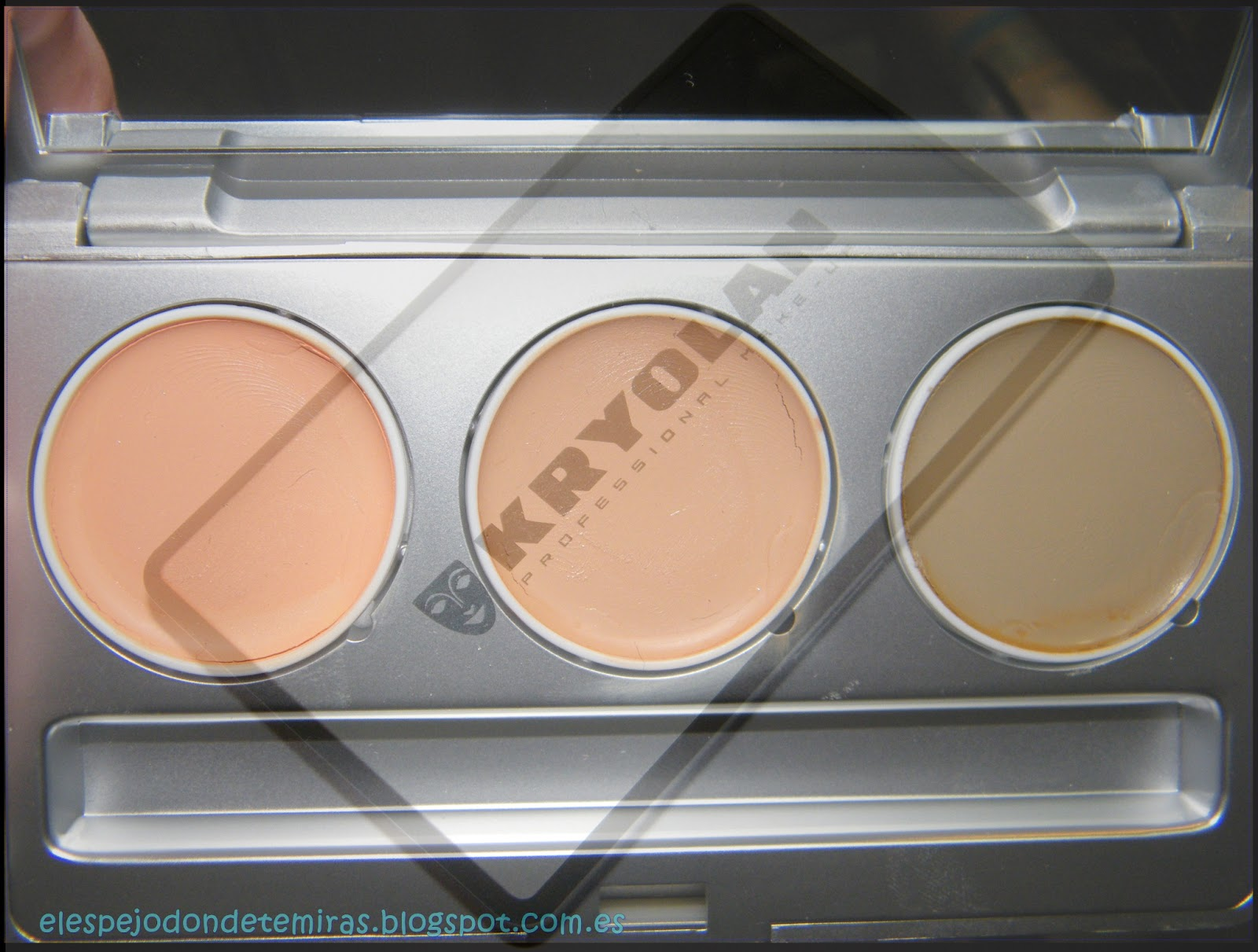 Correctores kryolan fs61 beige 576 salm n y fs64 verde for Donde venden espejos