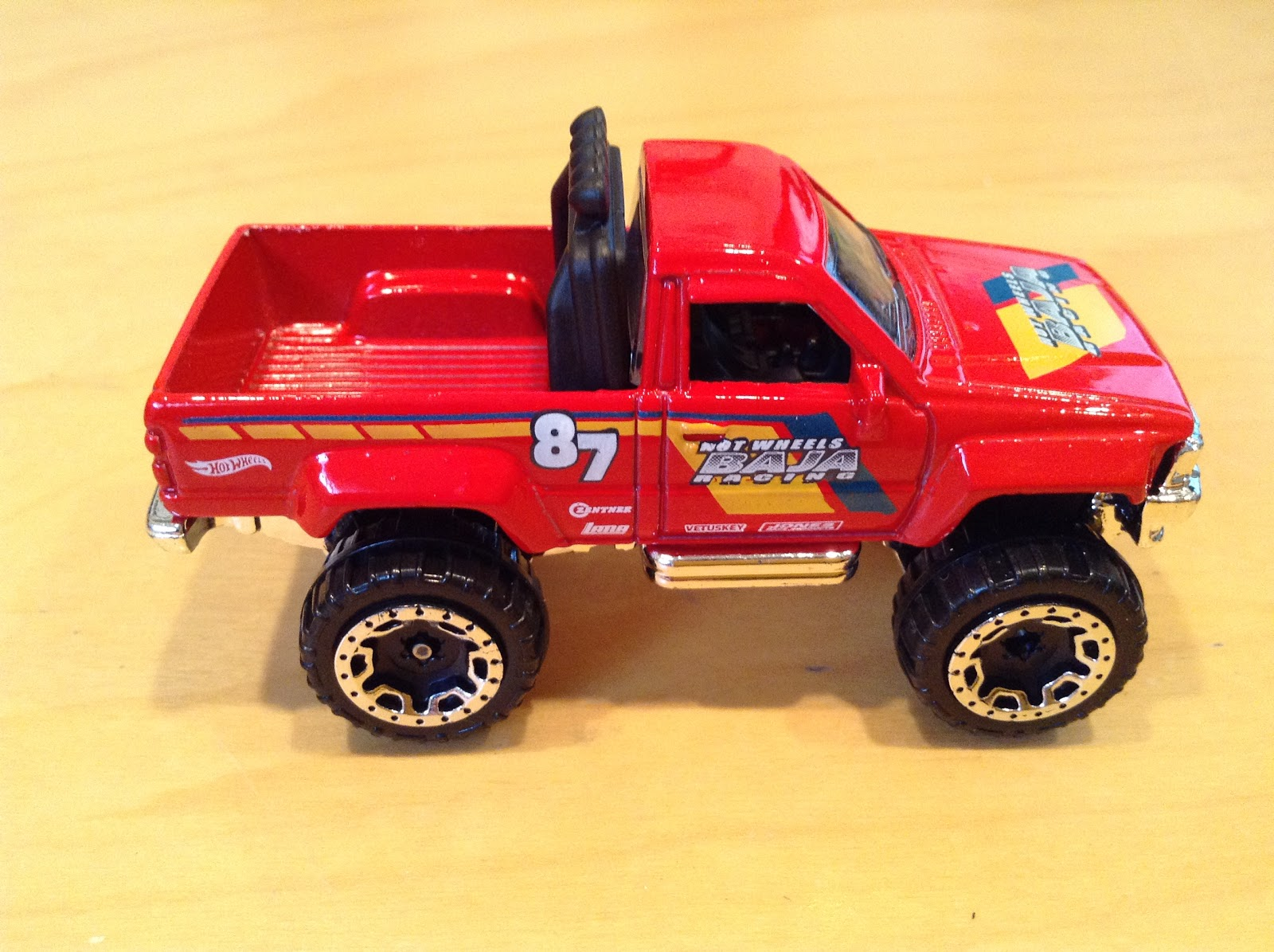 JULIAN'S HOT WHEELS BLOG: 1987 Toyota Pickup Truck (2017 ...