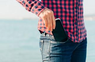 5 Tempat Yang Di Larang Untuk Menyimpan Smartphone