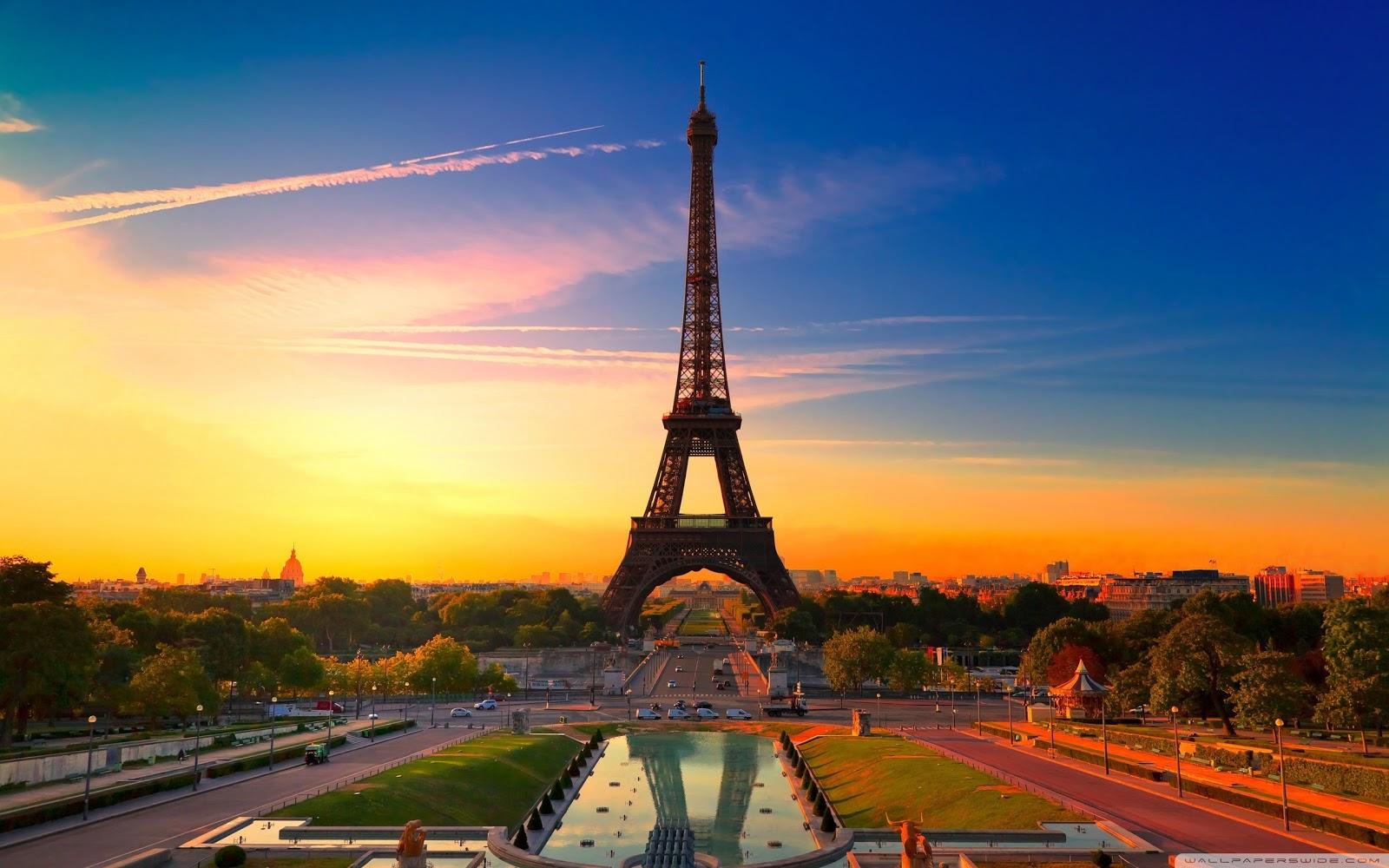 PZ C Menara Eiffel