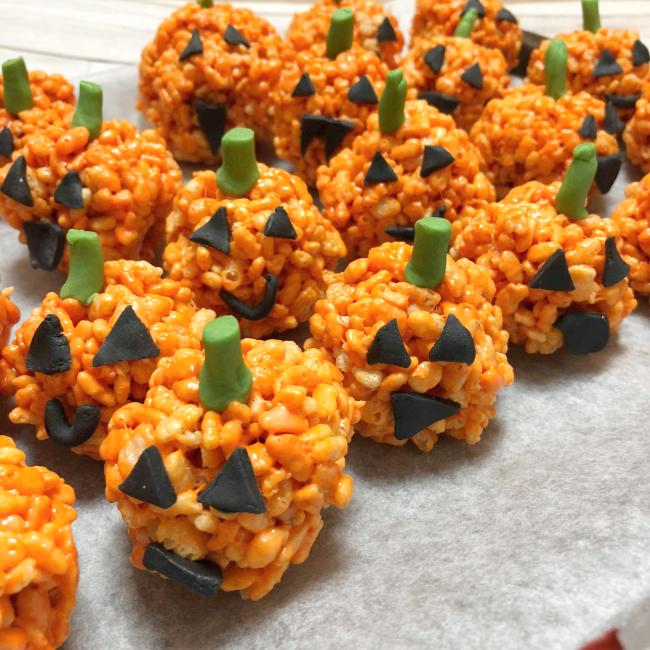 What I baked for Halloween 2018 - www.nourishmeblog.co.uk