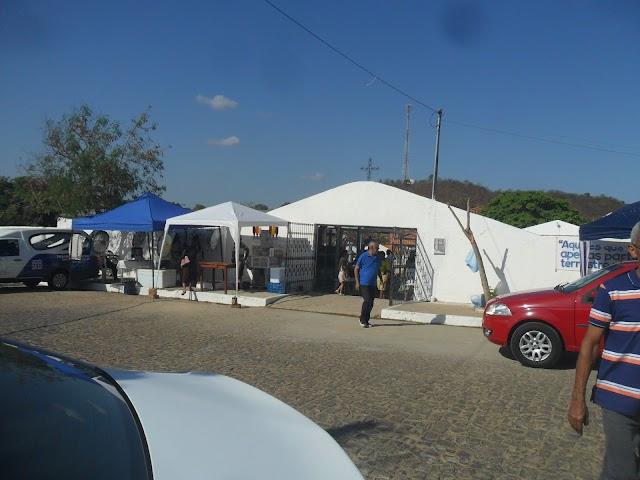 Imagens Dia de Finados em Elesbão Veloso- movimentação no cemitério Sambaiba, manhã.