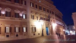 praca montecitorio turismo roma - Praças e Fontes de Roma