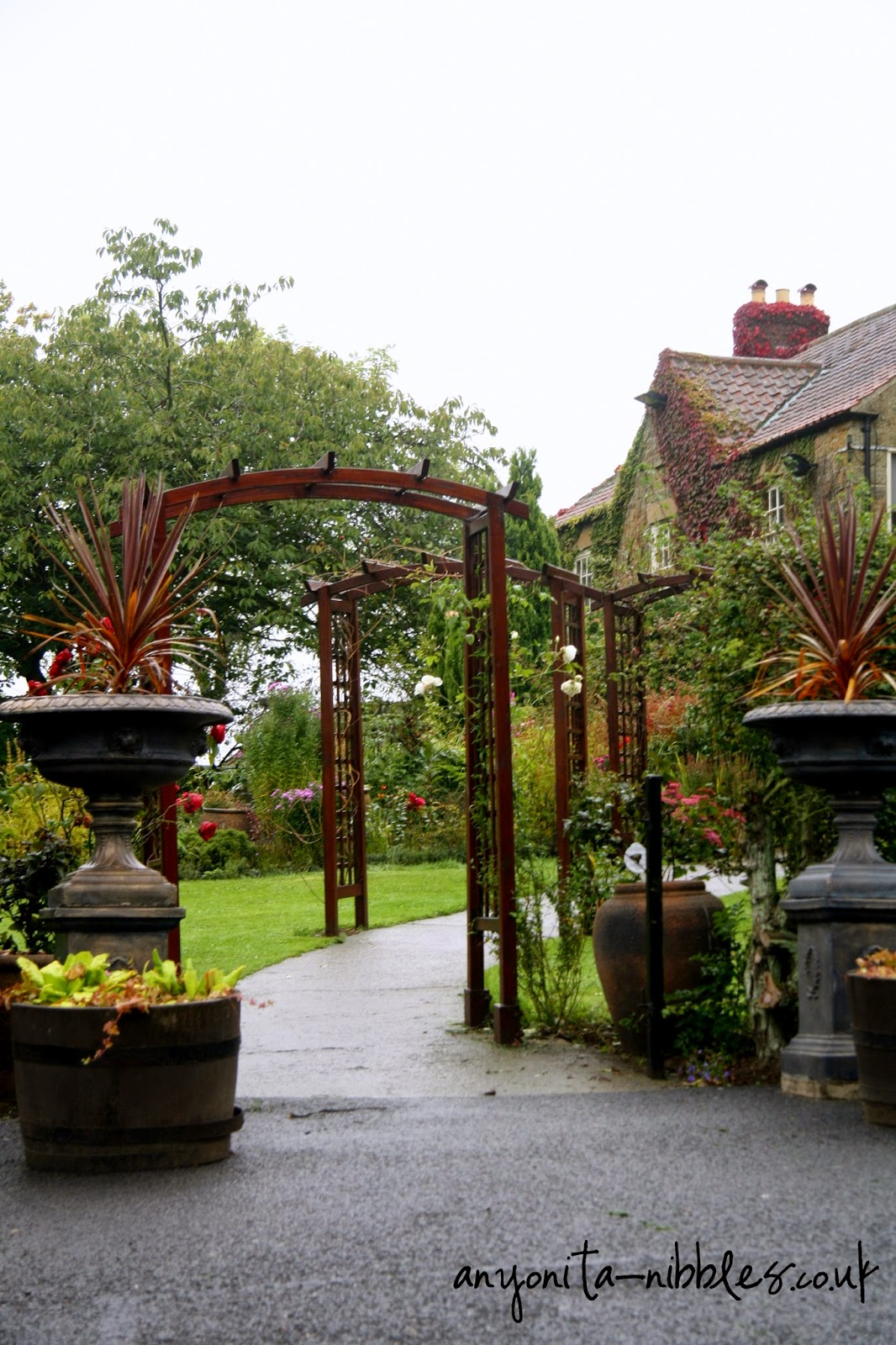A rain-soaked walk to this quaint North Yorkshire luxury hotel | Anyonita-nibbles.co.uk