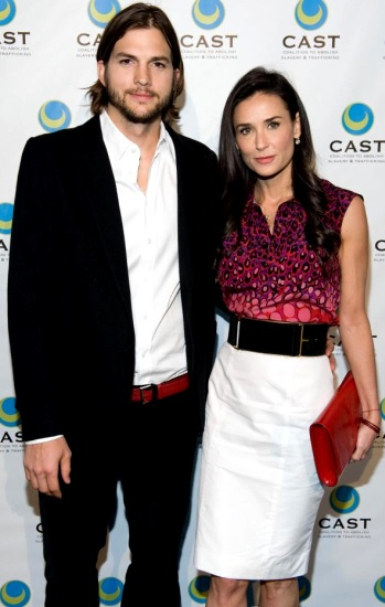 Foto de Demi Moore posando junto a su ex pareja Ashton Kutcher