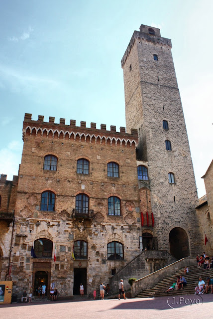 Piazza del Duomo de San Gimignano
