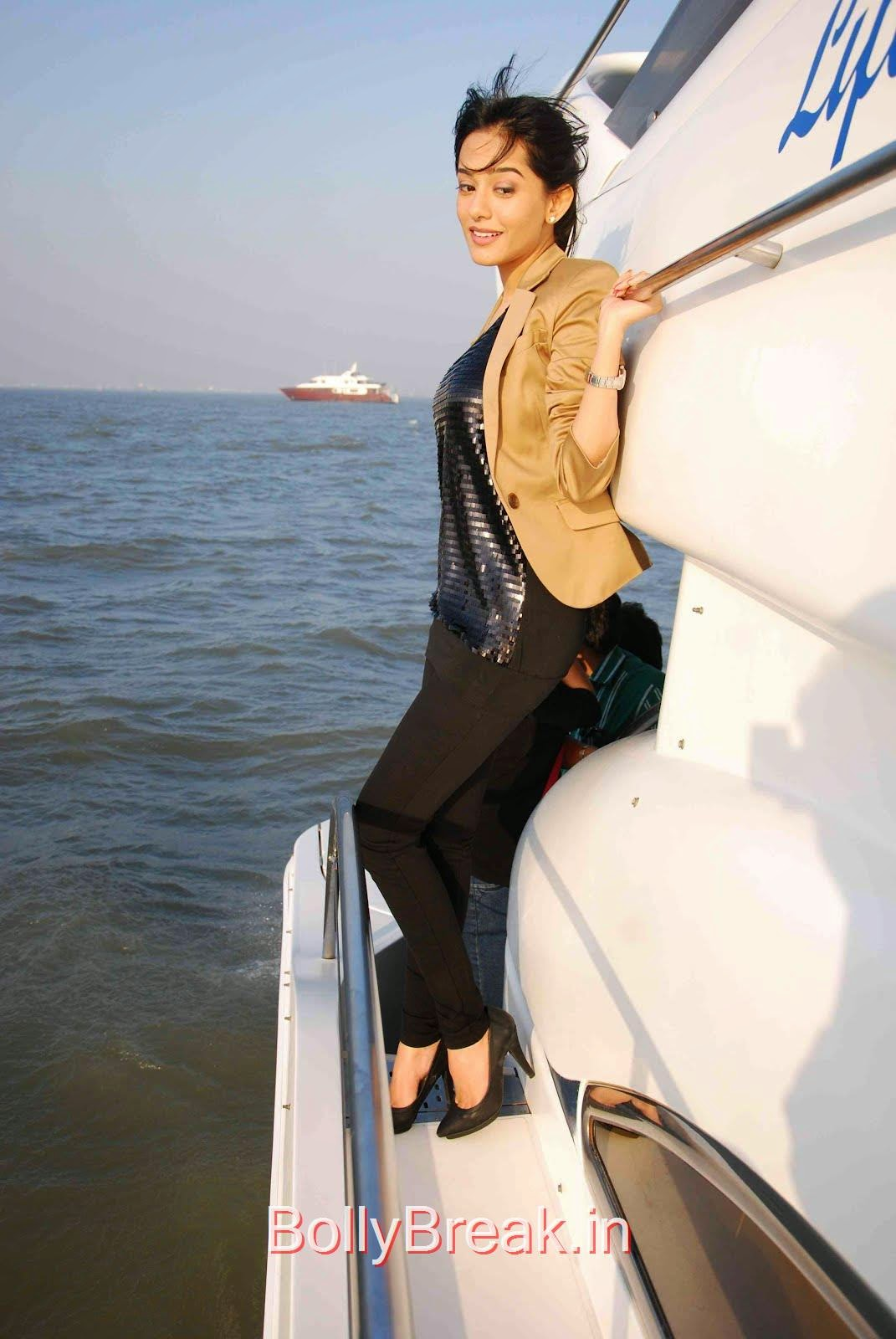 [IMG] [/IMG], Amrita Rao Hot Pics From Boat Photoshoot