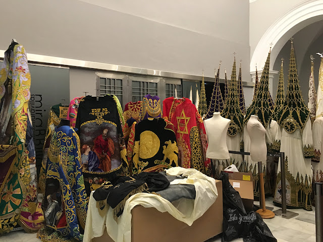 Lorca Museo Paso Blanco desmontando la Semana Santa