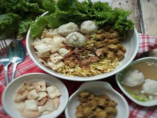 https://rahasia-dapurkita.blogspot.com/2018/01/resep-cara-membuat-masakan-mie-ayam.html
