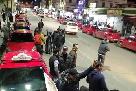 حملة شعبية تقاطع خدمة سيارات الأجرة الصغيرة في مدينة خريبكة