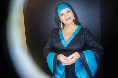 Cantora Fortuna faz show em SP