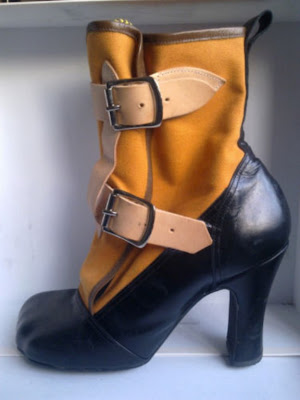 d7c5f823b93 The most noticeable difference from the fake is that they have a chunky  curved heel