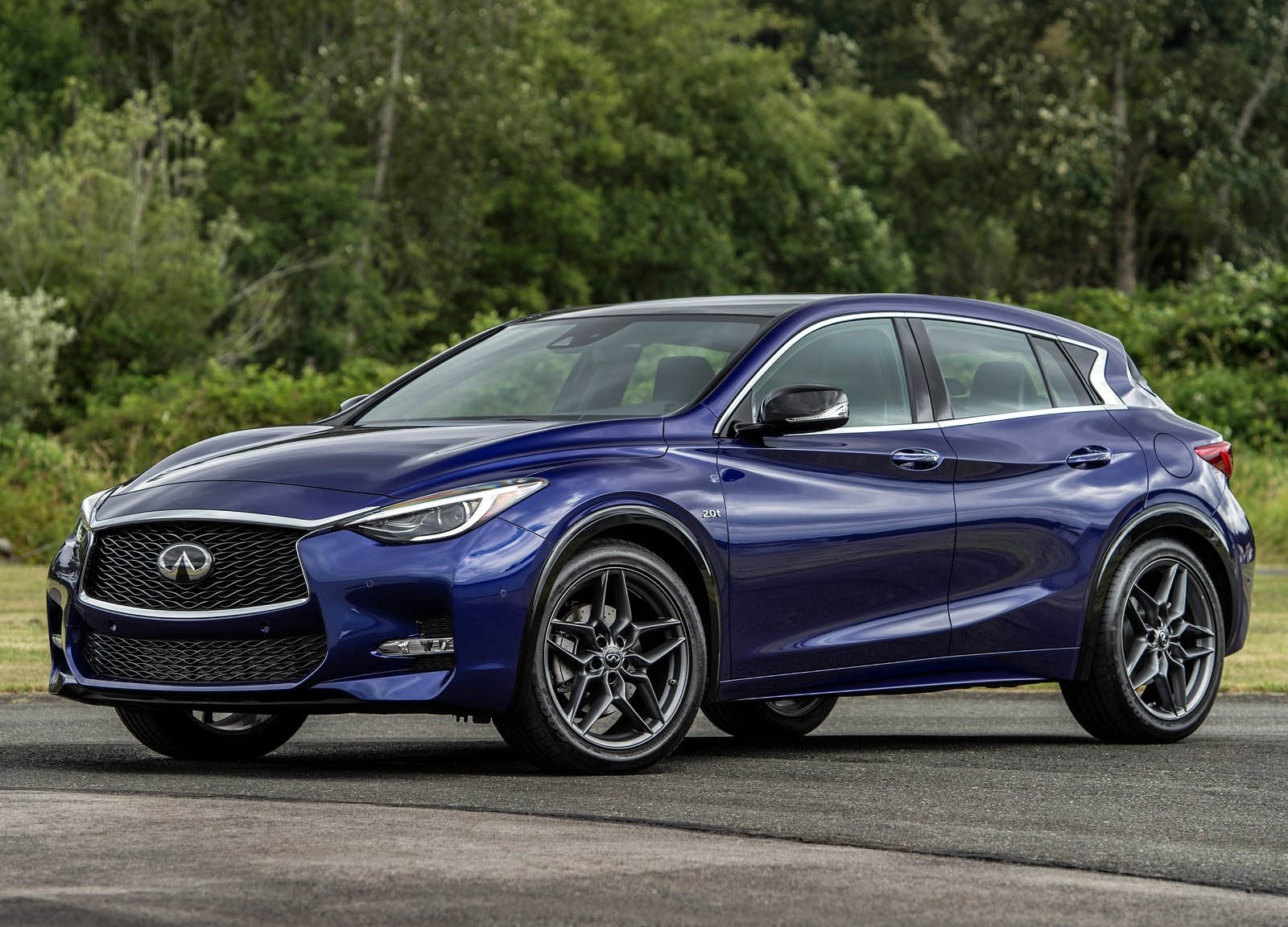 infiniti considering q30 hybrid hot hatch. Black Bedroom Furniture Sets. Home Design Ideas