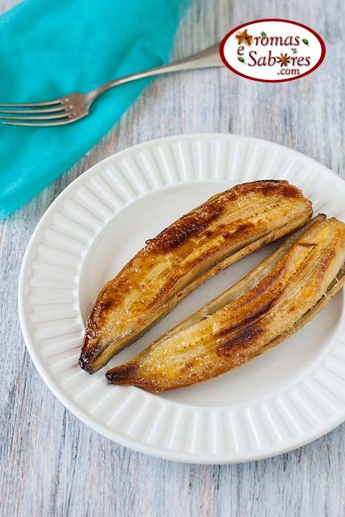 Banana caramelada feita na frigideira