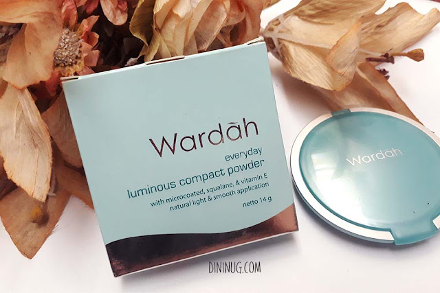 wardah-luminous-bedak-padat