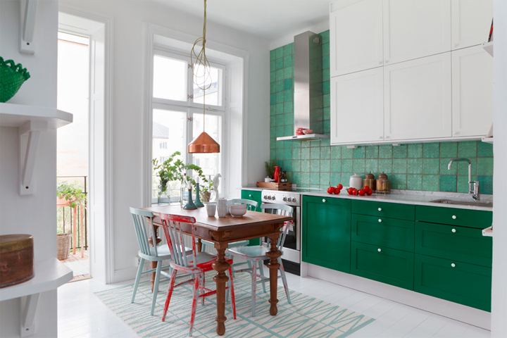 Kitchen In White And Green Кухня в бяло и зелено