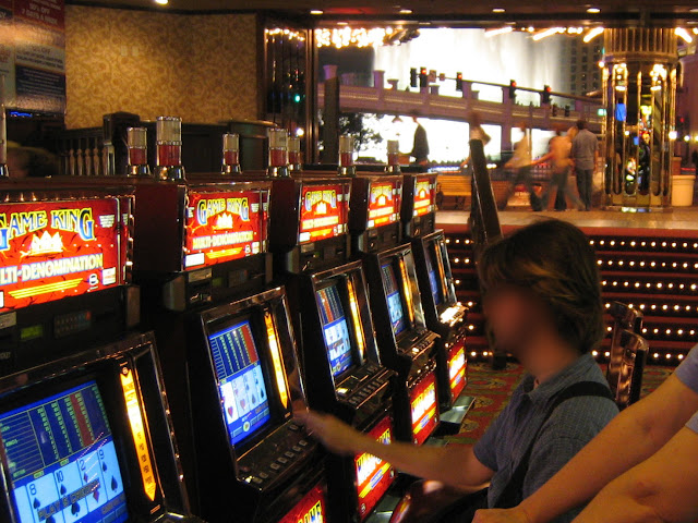 Barbary Coast Video Poker with Bellagio Fountains