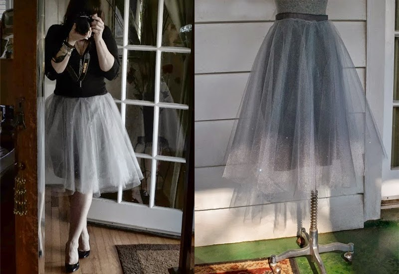 570160cfb6 You can make it your favorite colorful and take only about 20 minutes.  Would you like to try? Follow the steps how to sew this beautiful tulle  skirt in the ...