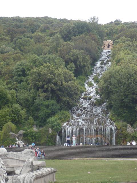 fontana diana atteone nella reggia di caserta