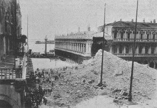 An enormous pile of rubble was left after the collapse of the Campanile in July 1902