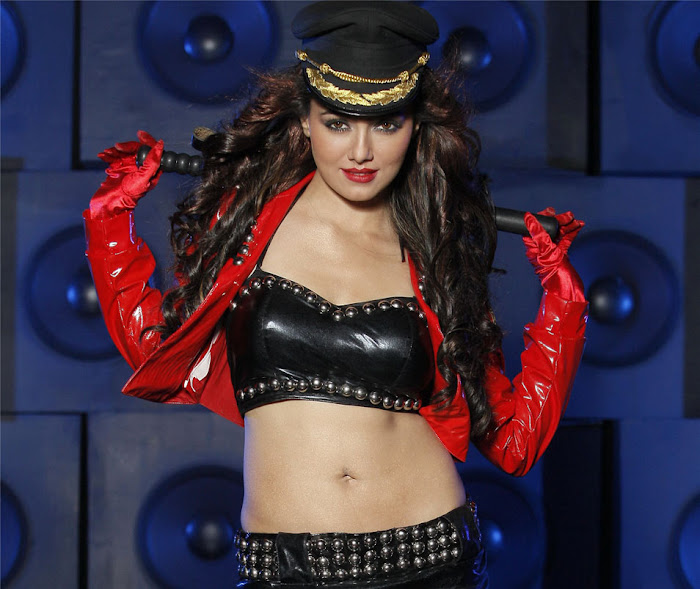 sana khan from mr nokia, sana khan spicy photo gallery