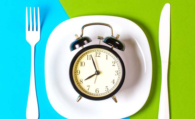 intermittent fasting side effects, intermittent fasting guide, intermittent fasting health benefits, is it good to do intermittent fasting, what are the benefits of intermittent fasting, intermittent fasting and metabolism, intermittent fasting downsides, dangers of intermittent fasting, can you drink on intermittent fasting