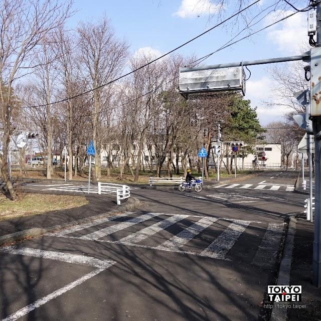 【千歲市交通安全教育施設】彷彿一座小城市 充滿交通標誌的有趣小公園