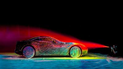 Τι θα συμβεί αν βάλετε μια Ferrari σε αεροδυναμική σήραγγα και αρχίσετε να την λούζετε με μπογιές;