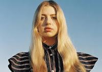 Anais, la figlia 18enne di Noel Gallagher che si divide tra la moda e l'attivismo vegano