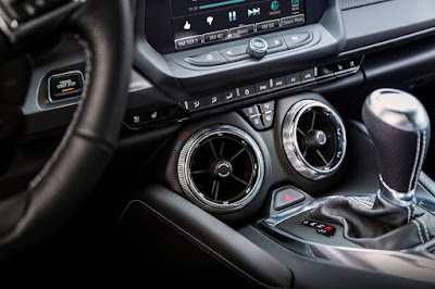 Camaro Has Set Standards As One of Wards 10 Best Interiors