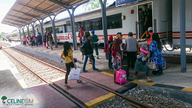 train stations near ijen