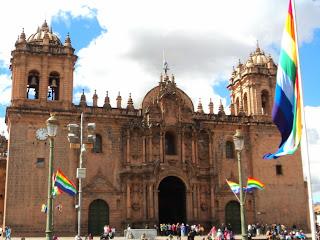 Catedral de Cusco Vista a Partir  da Plaza das Armas