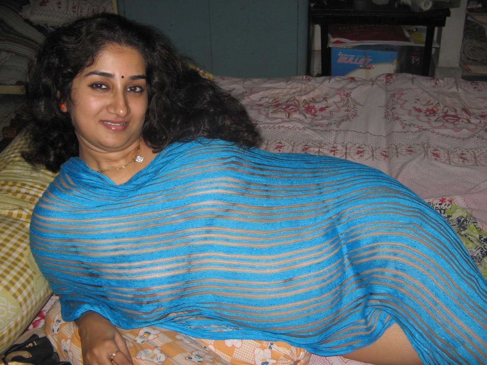 Half nude desi chennai aunty lying on bed
