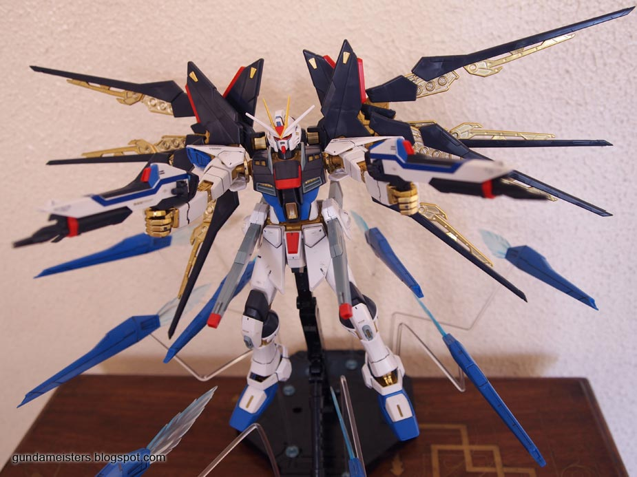 Gundam Meisters: Review: MG 1/100 Strike Freedom Gundam ...