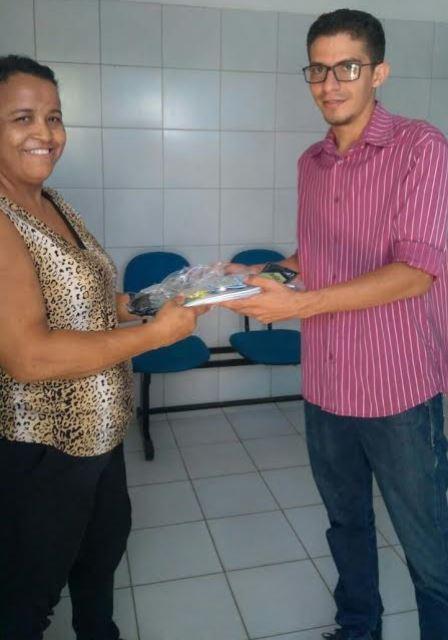A Secretaria Municipal de Saúde realiza entrega de kits de Equipamentos de  Proteção Individual (EPI) aos servidores da pasta. Trata-se de produtos de  uso ... dbb116458f