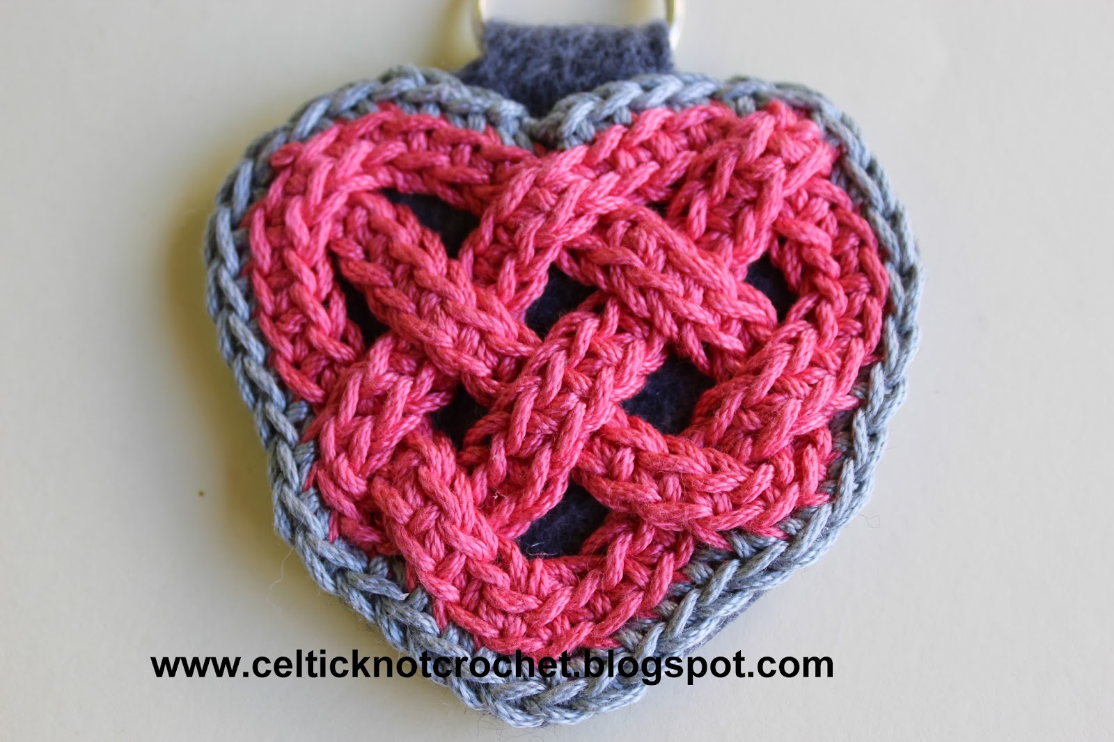 Celtic knot crochet as you can see there are many edging options included in this pattern a diagram of the celtic knot is also included bankloansurffo Gallery
