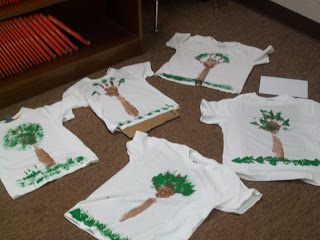 http://littlepriorities.blogspot.com/2011/04/earth-day-shirts.html