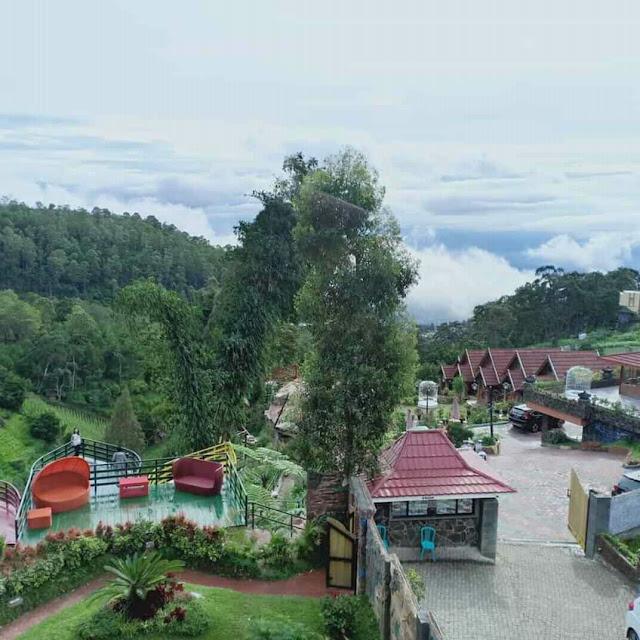 Pemandangan luas dari Resort Mbah Djoe menambah kenyamanan berkunjung kesini