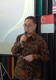 bapak riko abdurrahman presiden direktur pt visa workdwide indonesia cara mengelola keuangan rumah tangga dan bisnis untuk womenpreneur nurul sufitri blogger
