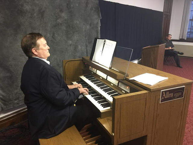 MICHAEL STAIRS PLAYING THE ALLEN ORGAN