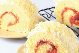 Strawberry Cheese Roll Cake, Sajian Spesial Untuk Keluarga Di Akhir Pekan